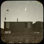 Wooden hut presumed to be Kinnes Whaling station